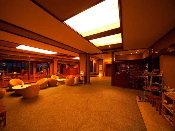 【館内ロビー】大分県の特産品、望海オリジナル商品などの売店もございます