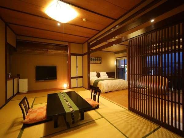 【半露天風呂付き和洋室】大人気の半露天風呂付客室は和室12畳とキングサイズベッドが付いております♪