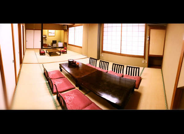 24畳和室(12畳+12畳)パーテーション仕切り可。10名前後の団体様は皆様ご一緒はいかがですか?