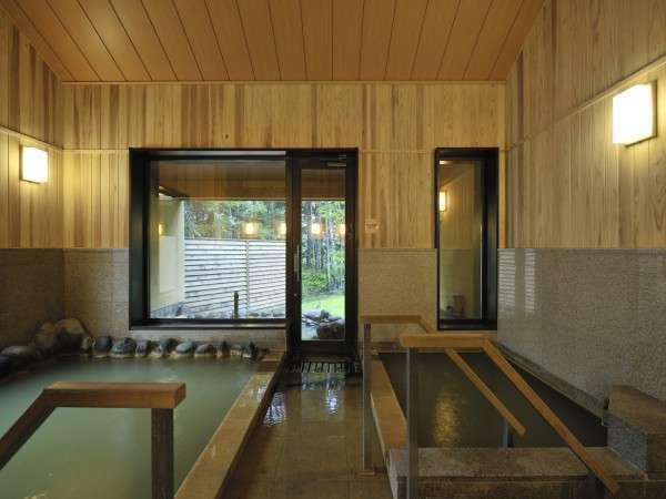 大浴場内湯 内壁は杉材です。