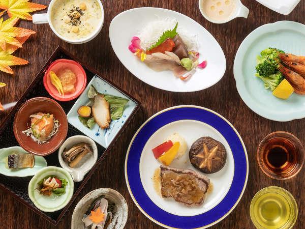 【山の料理茶屋 早紅葉】バイキングスタイルで和食会席コース料理を堪能