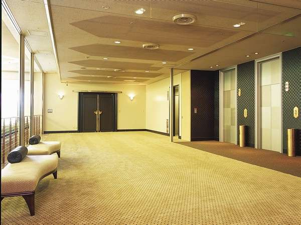 『3F・宴会場エレベーターホール』