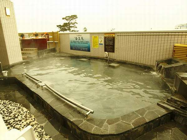 駿河湾を一望する露天温泉風呂