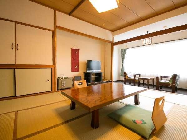 【和室】畳の暖かな香りが漂う和室