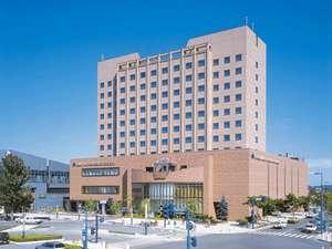 十勝の玄関口、帯広駅横にそびえるコミュニティホテルです