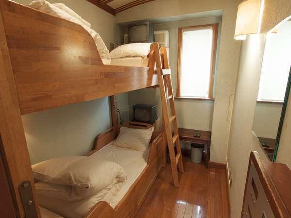 2人部屋お2人様までご利用いただける個室タイプのお部屋です。