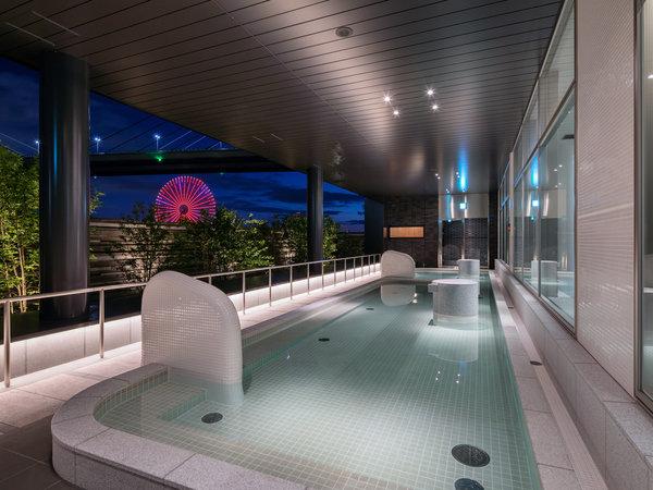 男性露天風呂からの夜景