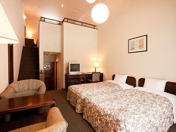 ■寝室が1階と2階に分かれたフォースルーム
