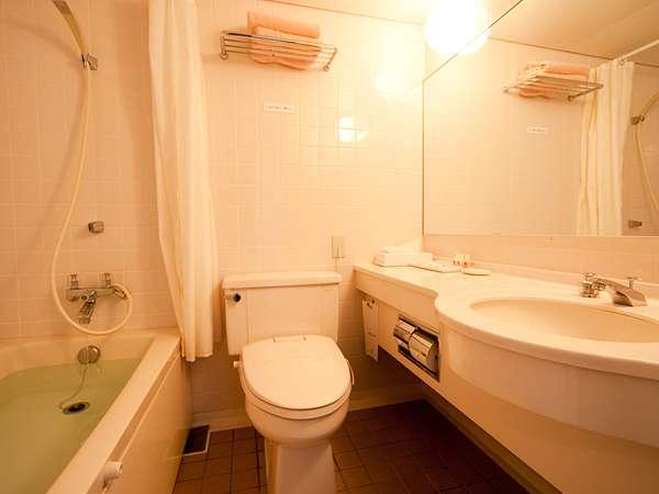 ■シャンプー・リンス・ボディーソープなどアメニティも充実したアネックス棟バスルーム