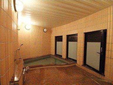 2つある貸切風呂。4月から温泉になりました!!
