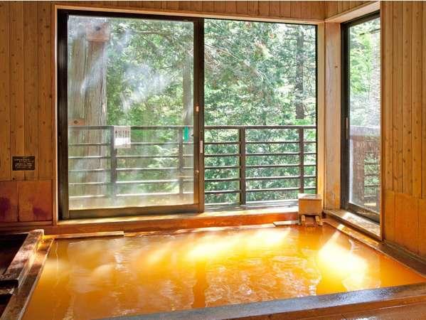 【毒沢鉱泉 神の湯(かみのゆ)】信玄の隠し湯と言われた秘湯をもつ自然に包まれた一軒宿「神乃湯」