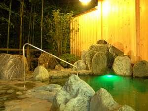 夜の露天風呂です。とっても静かで、空気が良くて、さわやかです。
