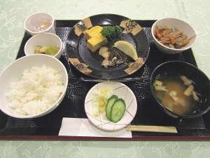 和定食の一例です。お魚は日替わりでご提供!