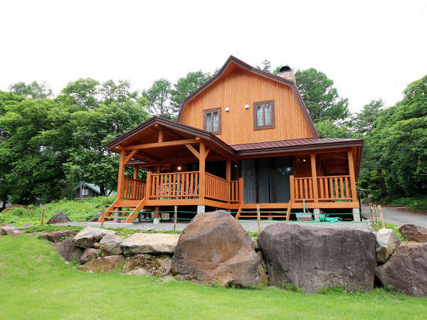 高台にある山小屋[LODGE]の佇まいで優雅なグランピングを【~6名様:しゃくなげ24号館-スウィートIV】