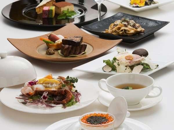 最上級プラチナコースは高級食材をふんだんに使用した贅沢なコースです。