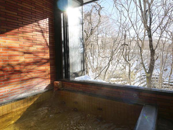 半露天にもなる貸しきり温泉が2箇所(雪見)