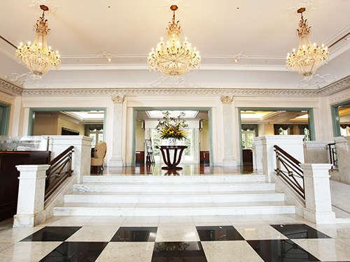 【ロビー】モダンヨーロピアンスタイルのホテルロビー