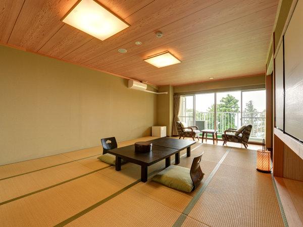 *東館和室(客室一例)/窓越しに望む自然を眺めながら寛ぎのひと時を。