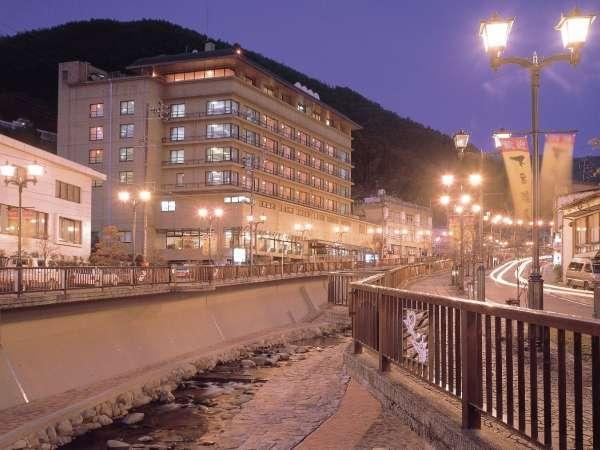 ▲下呂温泉街の中心に佇む和の宿