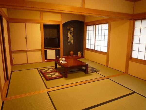 リニューアルされたお部屋はクロスもムードをつくり、畳も癒される心地よい匂いがおもてなしします。