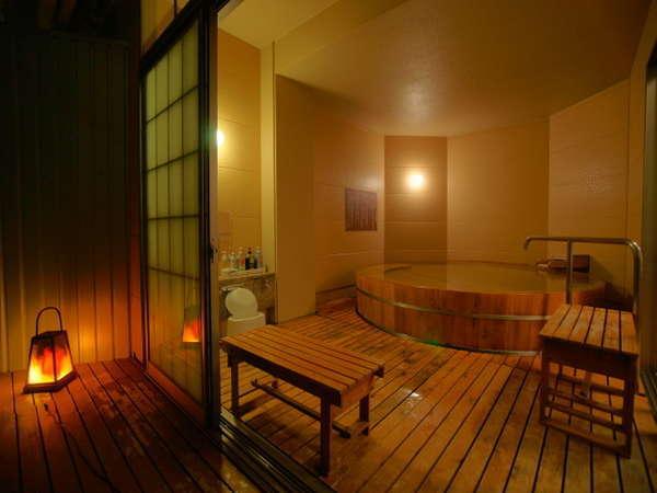 【人気の3種類の貸切露天風呂】水入らずの時間を過ごせる貸切露天風呂は趣でお選びいただけます。