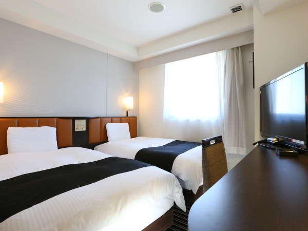 ツインルーム(広さ14㎡、ベッド幅122cm)
