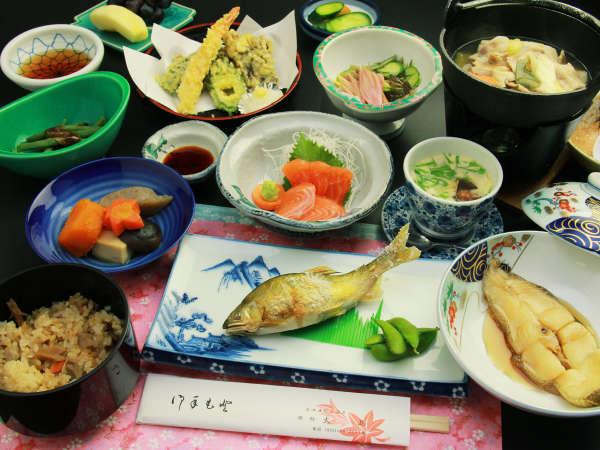 夕食一例★山の恵みがつまった、田舎の和食膳です