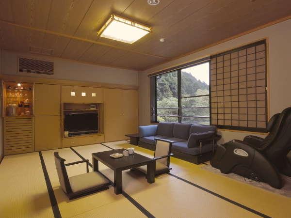 和室タイプC 池・お庭に面したお部屋です。約12畳
