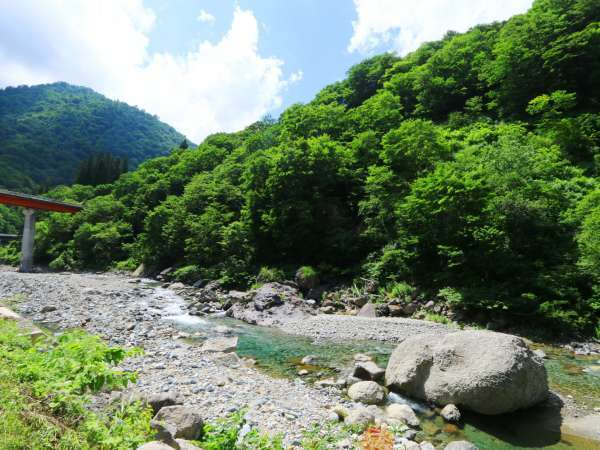 ☆周辺・景色_露天風呂目の前の川