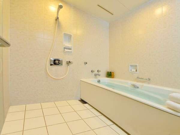 【バスルーム】3.2平米の洗い場付き