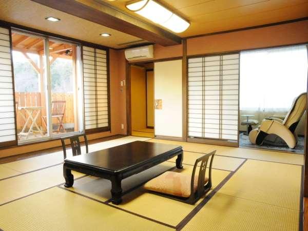 マッサージ機・ウッドデッキなど癒し空間のあるプレミアム客室