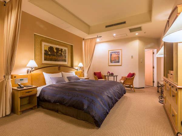 【DXダブルルーム】キングサイズ(180cm幅)の広いベッドで寛ぎの時間を演出してみませんか?
