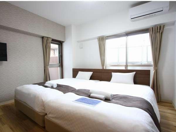 ツインルームは、セミダブルベッド2台をご用意しております。