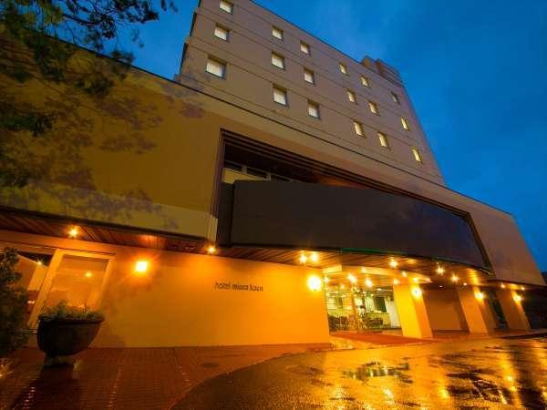 【外観】明治19年創業・130年余年の長きに亘る伝統と高い格式あるホテル。
