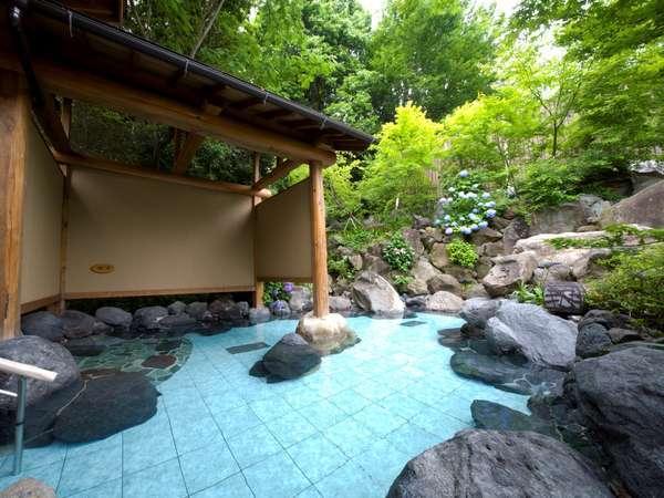 露天風呂「湯幻逍遥」(姉妹館・湯元舘)1泊、おひとり様600円(税別)で何度でもご利用いただけます。