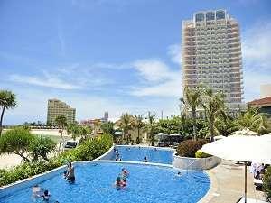 【ザ・ビーチタワー沖縄】クチコミ総合4.2!県内最高層ホテルでビーチも温泉も目の前☆