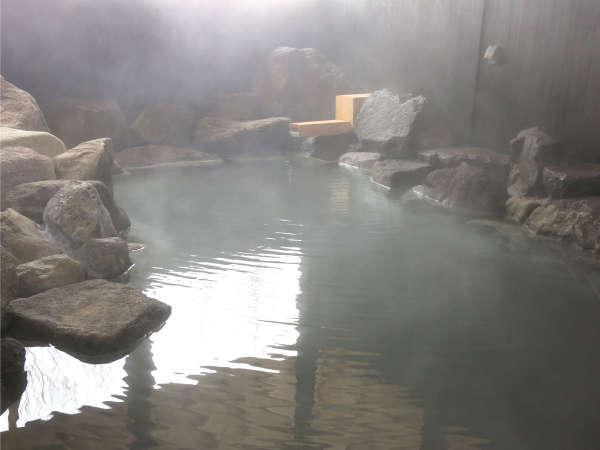 *川の湯/女性専用岩風呂~温泉情緒溢れる岩風呂。(泉質/硫黄泉)