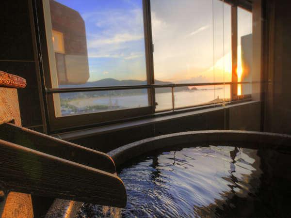 日本海に沈むサンセットお楽しみいただける 「天然温泉客室露天風呂」