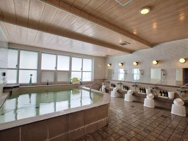 *【大浴場】沖縄では珍しい大浴場で旅の疲れを癒していただけます。