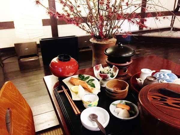 女将の作る和朝食は、寝起きのからだにもやさしいと好評!!