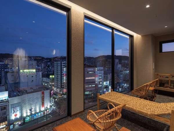 最上階大浴場のエントランスから長崎市内中心部を一望できます!
