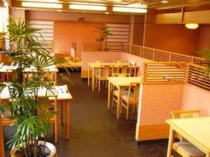 4階和食処「伊勢路」季節のお料理を提供いたします