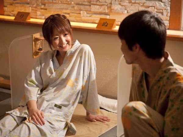 【岩盤風呂】男女で並んで入れる岩盤風呂☆ご宿泊の方は通常60分1100円(税込)で体験できます