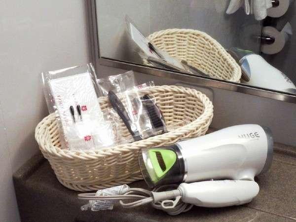 ◇全室共通アメニティ歯ブラシ・ひげそり・ブラシ・ボディスポンジ・綿棒・シャワーキャップ