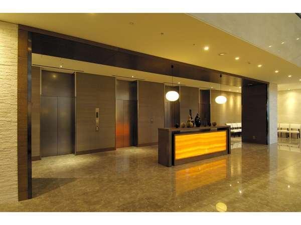 ■ロビー エレベーターホールは広々とした空間