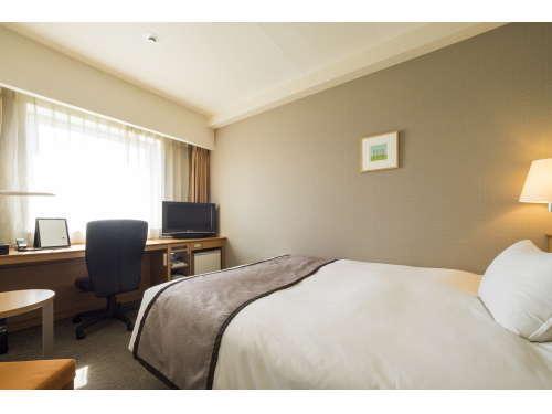 【シングルルーム】  広さ18.5平米、ベッド幅154cm ・ビジネス・観光・一人旅に最適