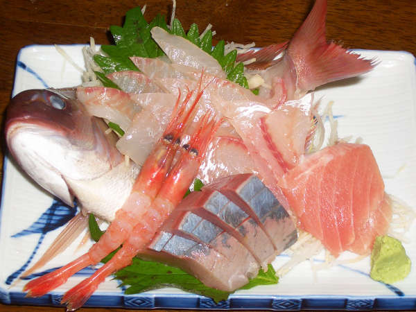 その日に獲れた新鮮な魚が登場します!