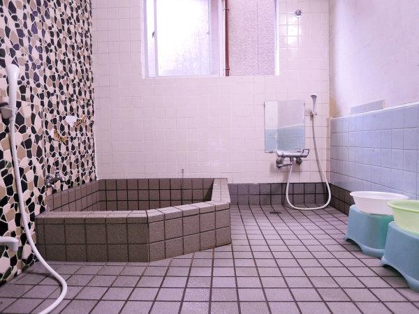 【浴場】1ヵ所:交代でご入浴いただきます。