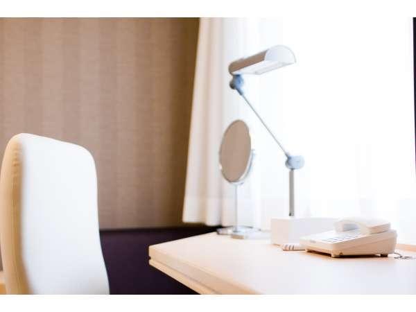 ◆広々としたライディングデスクを採用しており、ビジネスに最適です。