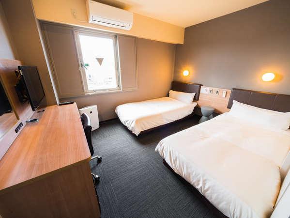 眠りを追及した100cm幅のベッドと適度な硬さのマットでぐっすり
